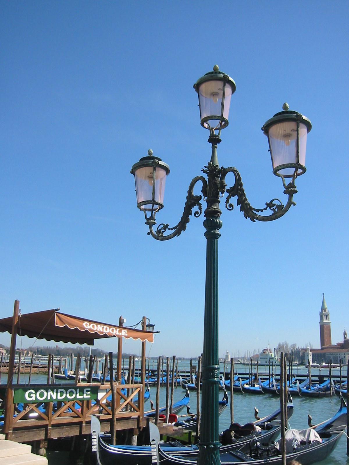 200603a29 06 Lamppost Venice