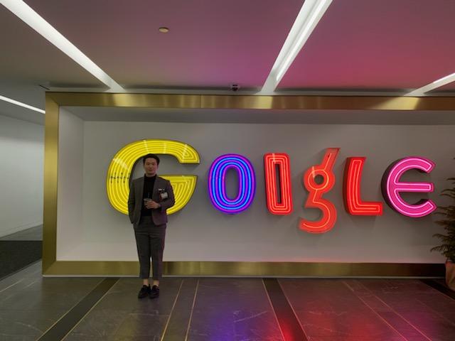 Jinho Lee on a site tour of Google.